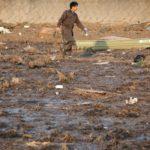 Нови ужасяващи кадри на връхлитащото цунами (видео)
