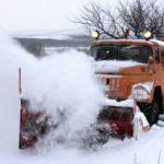 За пробиването на пътя от Главиница за село Черногор помага роторен снегорин