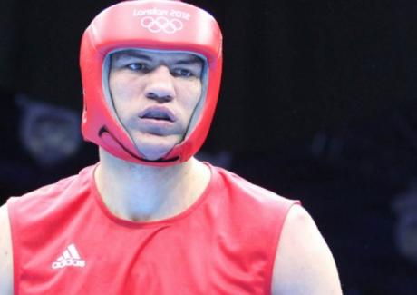 Тервел Пулев е подписал 5-годишен професионален договор