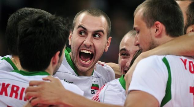 Българските волейболисти на полуфинал, Бойко Борисов ги уреди с нова зала