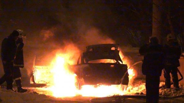 Лек автомобил се е запалил