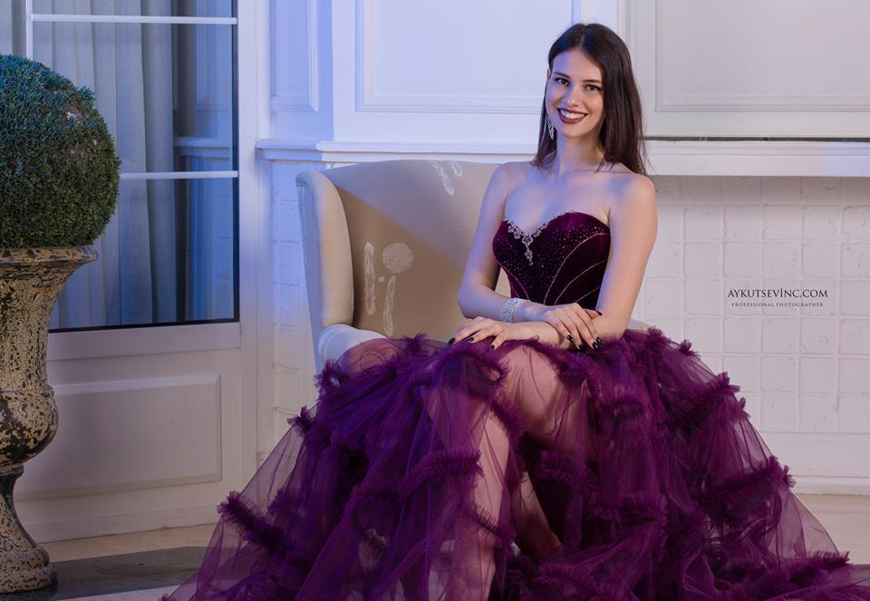 България се класира на трето място на конкурса Miss Seven Continents
