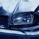Пиян шофьор си счупи ръката след като се блъсна в паркирал автомобил