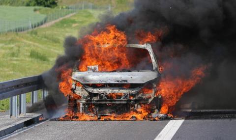 Автомобил горя вчера в Тутракан