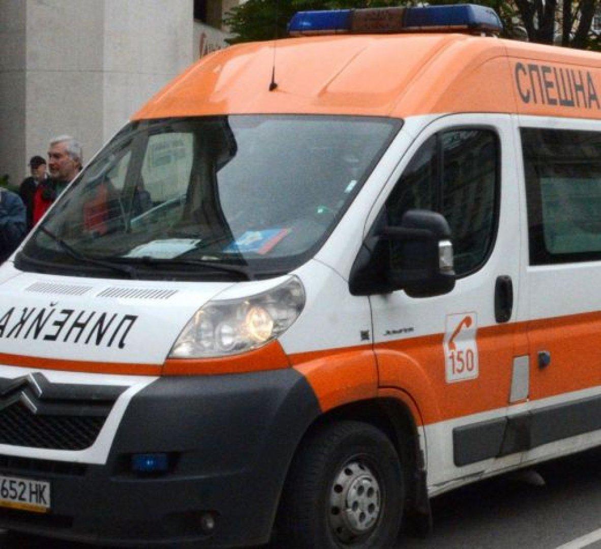Мъж е настанен в болница след катастрофа близо до Тутракан