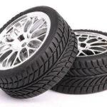Отмъкнаха гумите на паркирал автомобил
