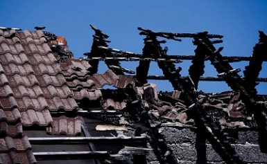 Покрив изгоря , заради късо съединение
