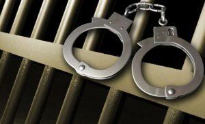 Мъжът , които уби съпругата си в Окорш , остава за постоянно в ареста