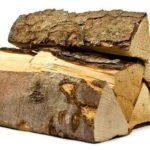 Осем кубически метра нелегални дърва за огрев бяха намерени в частен имот