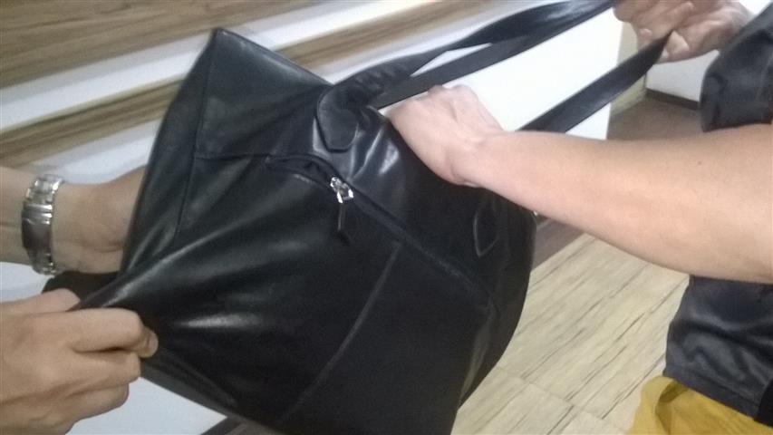 Задигнаха дамската чанта на момиче