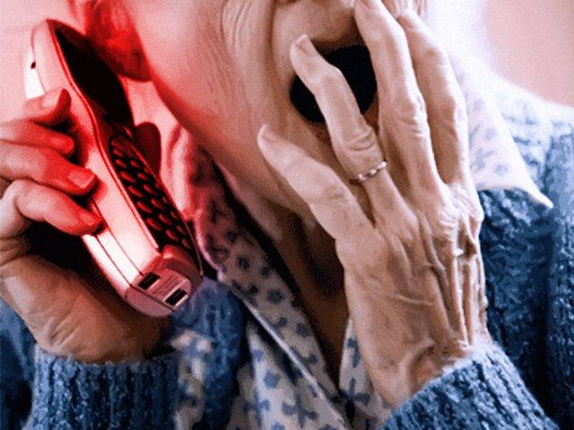 Възрастна жена е поредната жертва на ало-измамниците