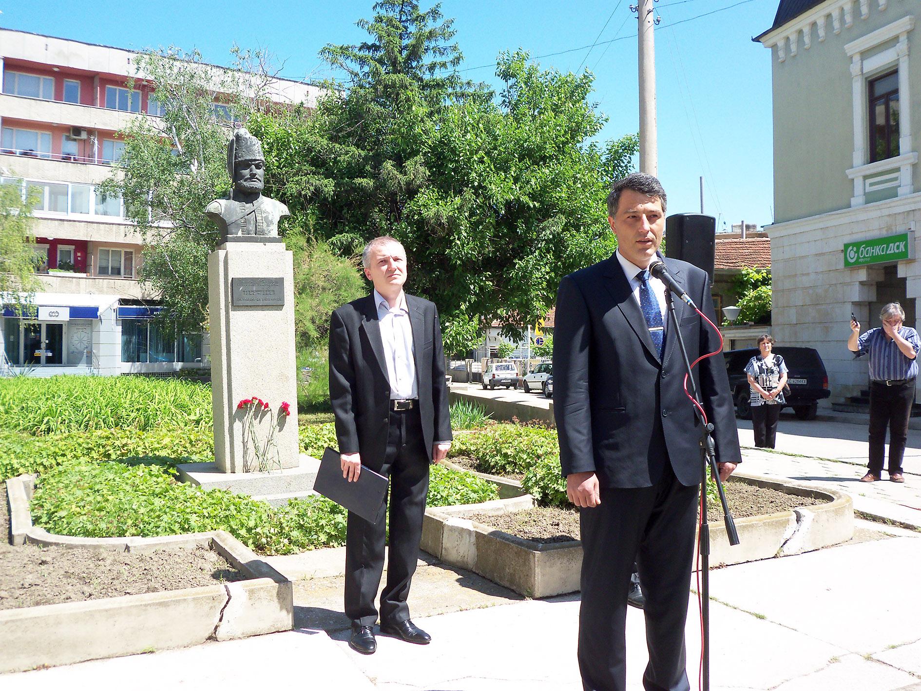 Силистра се поклони пред героите си, загинали за свободата и независимостта на България