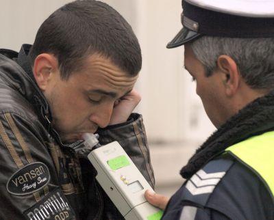 Шофьор , заловен с 2,42 промила алкохол и без книжка