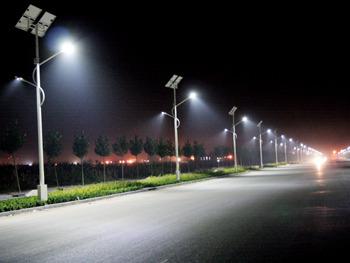 Първата по рода си в Силистренска област система за улично осветление с използване на слънчева енергия