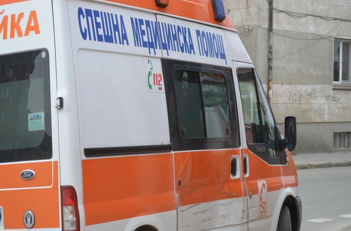 Жена почина , след удар от бус на пътя