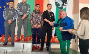 Силистренец взе златен медал на републиканско по борба
